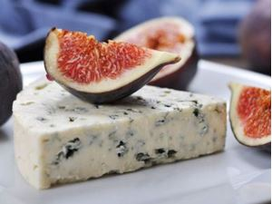 Picture of Roquefort (wedge)